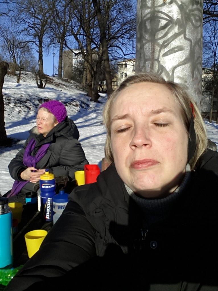 Vi hade med oss chokladbitar också, annars vet jag ett ställe i parken där det växer choklad...