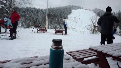 Utsikt över baksidan av Tryvann från min lunchplats i Tryvansstua