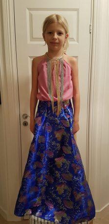 Syprojekt 323, Galaklänning av tyger som legat och mognat i några år. Gjort på frihand utan mönster och blev mycket lyckat.