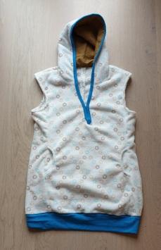 Syprojekt 333 Ärmlös fleece med fodrad huva, tyg från Myrins Textil och mönster från Ottobre